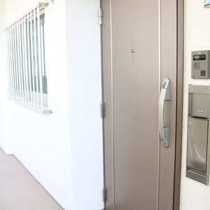 三田ナショナルコート(5階,)のフロア廊下(エレベーター降りてからお部屋まで)