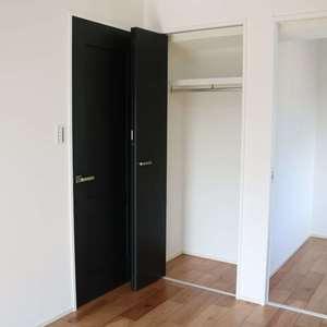 グランドメゾン三田(12階,5780万円)の洋室(2)