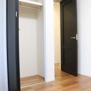 グランドメゾン三田(12階,5780万円)の洋室