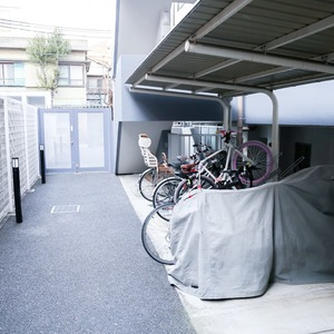 イクシア中野弥生町の駐輪場