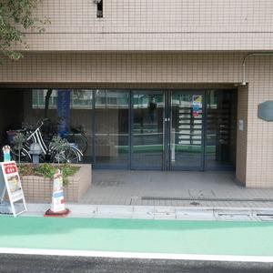 クレアメゾン天神橋のマンションの入口・エントランス
