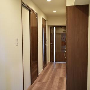 日商岩井恵比寿マンション(3階,6490万円)のお部屋の廊下
