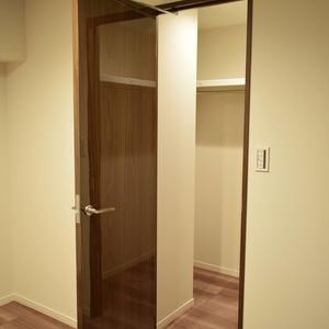 日商岩井恵比寿マンション(3階,6490万円)の洋室(2)