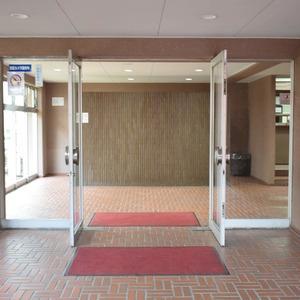 マンション第2恵比須苑のマンションの入口・エントランス