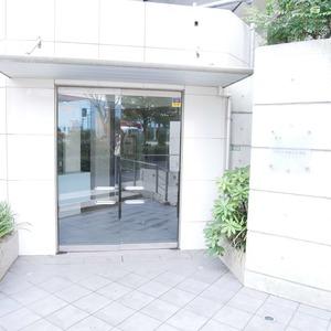 イデアル世田谷千歳台のマンションの入口・エントランス