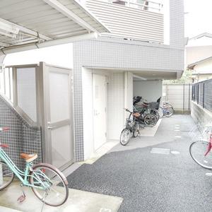 イデアル世田谷千歳台の駐輪場