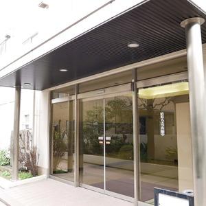 経堂スカイマンションのマンションの入口・エントランス
