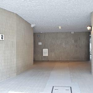 シャンボール原宿のマンションの入口・エントランス