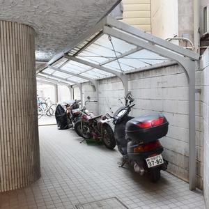 シャンボール原宿の駐輪場