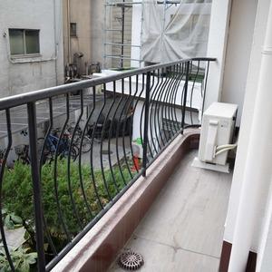 シャンボール原宿(2階,3480万円)のバルコニー