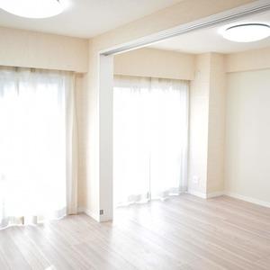 秀和麻布笄町レジデンス(3階,4380万円)のリビング・ダイニング