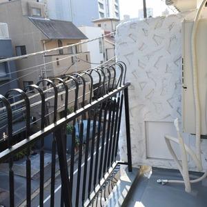 秀和麻布笄町レジデンス(3階,4380万円)のバルコニー
