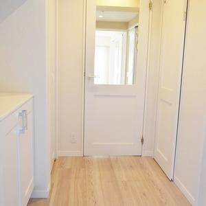 秀和麻布笄町レジデンス(3階,4380万円)のお部屋の廊下