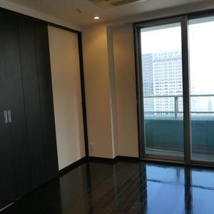 オリゾンマーレ(25階,)の洋室