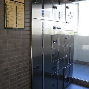 ブリス弥生のエレベーターホール、エレベーター内