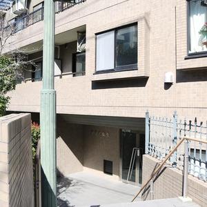 ブリス弥生のマンションの入口・エントランス