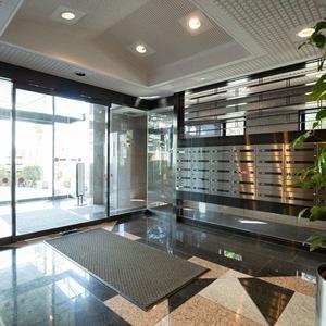 グランヌーブ中野のマンションの入口・エントランス