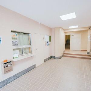 日商岩井恵比寿マンションのマンションの入口・エントランス