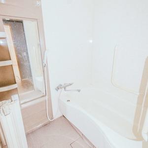 日商岩井恵比寿マンション(2階,5580万円)の浴室・お風呂
