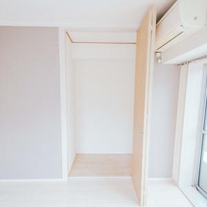 日商岩井恵比寿マンション(2階,5580万円)のクローゼット