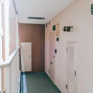 トーア南晴海マンション(3階,3590万円)のフロア廊下(エレベーター降りてからお部屋まで)