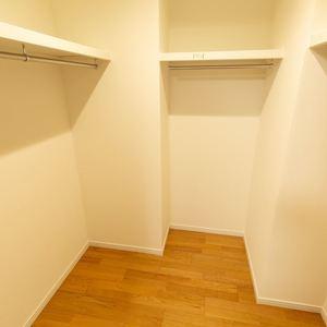 グランヌーブ中野(2階,6480万円)の洋室(2)