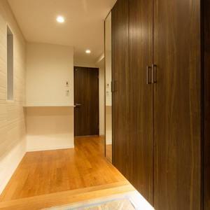 グランヌーブ中野(2階,6480万円)のお部屋の玄関
