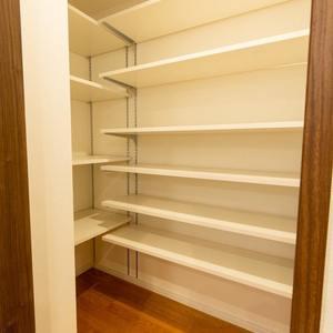 グランヌーブ中野(2階,6480万円)のキッチン