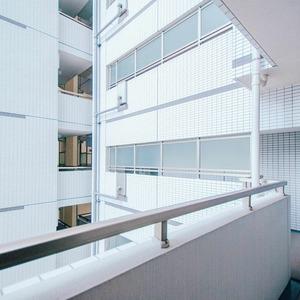 メインステージ上野(6階,)のフロア廊下(エレベーター降りてからお部屋まで)