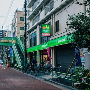 メインステージ上野の周辺の食品スーパー、コンビニなどのお買い物