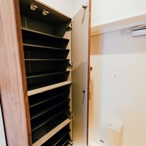 イトーピア六本木(5階,6780万円)のお部屋の玄関