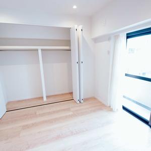 イトーピア六本木(5階,6780万円)の洋室