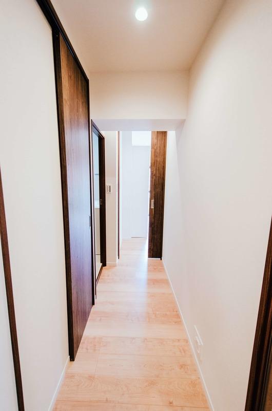 イトーピア六本木のお部屋の廊下1枚目