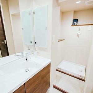 ドミ麻布(5階,8480万円)の化粧室・脱衣所・洗面室