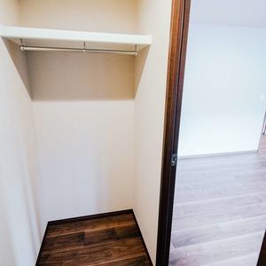 ドミ麻布(5階,8480万円)のウォークインクローゼット