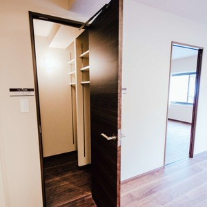 ドミ麻布(5階,)の納戸