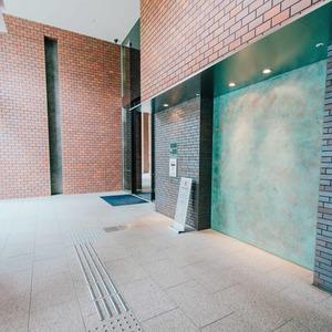 浅草タワーのマンションの入口・エントランス