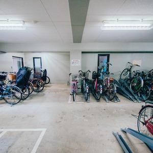 ダイアパレス西浅草グランマジェストの駐輪場