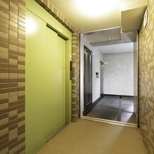 モアグランデ池袋西のエレベーターホール、エレベーター内