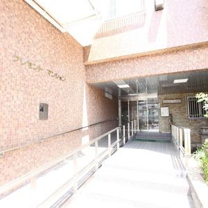 クレセントマンションのマンションの入口・エントランス