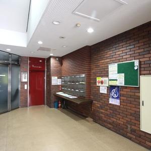 ドヌール柳橋のエレベーターホール、エレベーター内