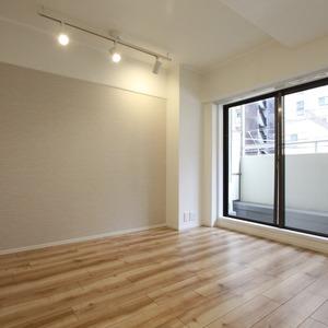 メイツ新宿なつめ坂(2階,4380万円)の洋室