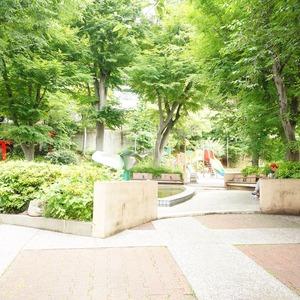 クレッセント麻布の近くの公園・緑地