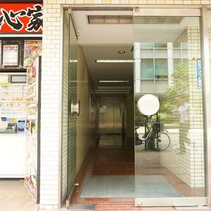 朝日六番町マンションのマンションの入口・エントランス