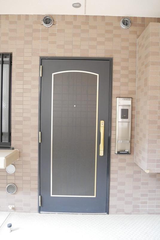 ライオンズマンション中野桃園のフロア廊下(エレベーター降りてからお部屋まで)1枚目