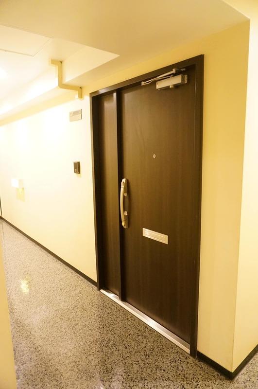 コープ野村一番町のフロア廊下(エレベーター降りてからお部屋まで)1枚目