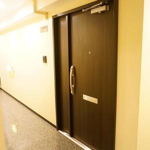 コープ野村一番町(1階,)のフロア廊下(エレベーター降りてからお部屋まで)