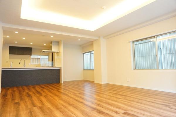 麹町ハウス(3階,1億1800万円)