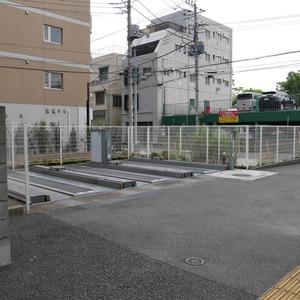 グローリオ錦糸町の駐車場