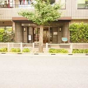 ザ・パームス西戸山のマンションの入口・エントランス
